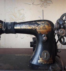 Швейная машина на станине б/у