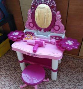 Туалетный столик для малышки