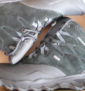 Ботинки утепленные Merrell новые.