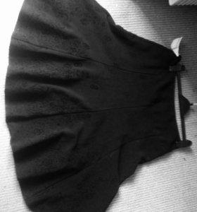 Юбка чёрная шерст по низу вышивка новая с ценником