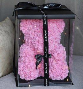 Мишки из роз в подарочной упаковке
