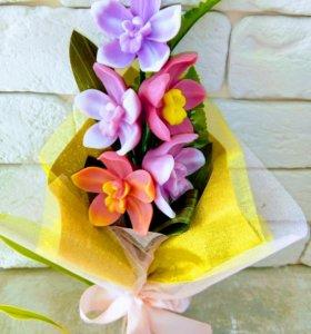 Букет орхидей из мыла
