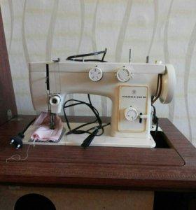 """Автоматическая швейная машина """" чайка"""""""