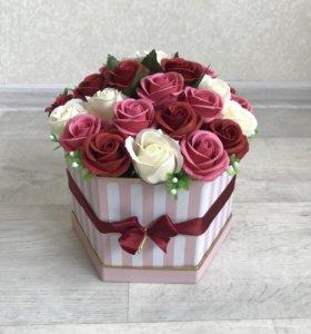 Розы из мыла вечные