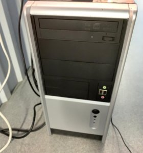 Системный блок с клавиатурой и мышкой!