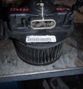 Моторчик печки Nissan Micra (K12E)