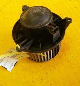 Моторчик печки Nissan Navara (D40)