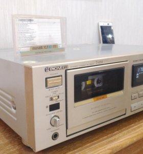 Топ кассетная дека компании Pioneer T-858 CT-979
