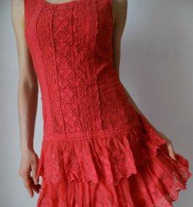 Платье коралловое кружевное