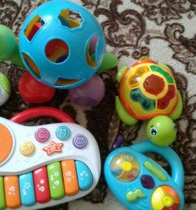 Игрушки пакетом музыкальные