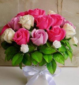 букет из роз на мыльной основе