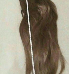 Волос на заколках светло русый