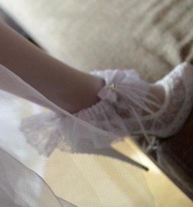 Свадебные туфли белые + чулки