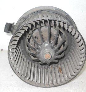 Nissan Almera G15 Моторчик печки под кондей