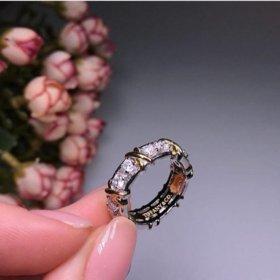 Кольцо новое серебрр