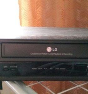 Видеомагнитофон касетный