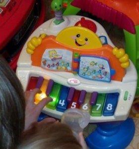 Детское пианино Fisher Price