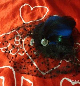 Минишляпка с декоративной вуалью на зажимах