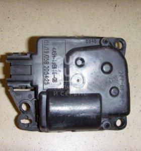 Моторчик заслонки отопителя Nissan Pathfinder (R51) 2005-2014; (277435Z010)
