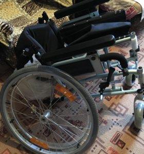 Прогулочная инвалидная коляска