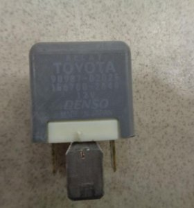 Реле   Toyota Corolla E120 2001-2006.  9098702025
