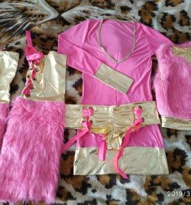 Костюм аниме розовый с золотым с лентами