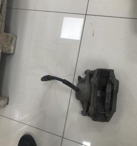 Суппорт тормоза 211 мерседес б/у