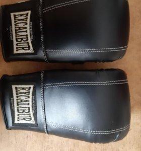 Перчатки для единоборства