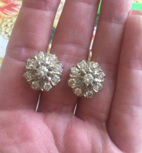 Золотые серьги с бриллиантами,