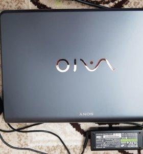 Ноутбук SONY VAIO VPCF11M1R