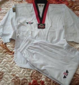 Форма для занятий каратэ, тхэквондо