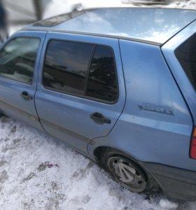 В разборе Volkswagen Golf 3 1993 год, синий 1.6