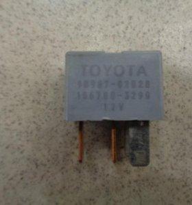 Реле   Toyota Corolla E120 2001-2006.  9098702020