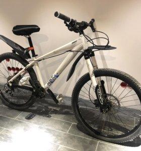 Горный велосипед giant (дерт-джампинг)