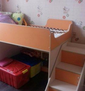 Продам детскую кровать чердак + шкаф+ матрас