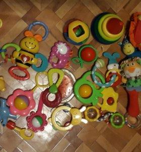 Погремушки, игрушки, прорезыватели, подвески