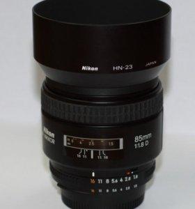 Nikon AF Nikkor 85mm f1.8D
