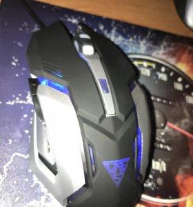 Механическая игровая клавиатура с подсветкой + мыш