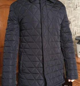 Мужская тёплая, стёганая куртка в стиле casual.