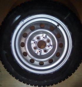 колесо в сборе зимнее шипованное б\у