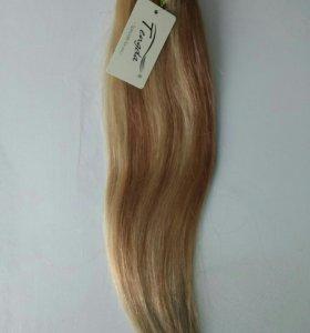 Пряди волосы на заколках
