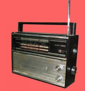 Легендарный радиоприёмник на запчасти. Обмен