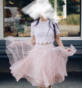 Фатиновая юбка и кружевной топ