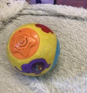 Музыкальный мяч и развивающий столик