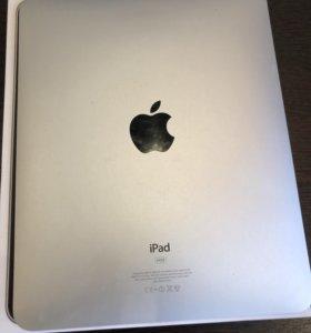 Apple iPad 1, 2011 год в отличном состоянии