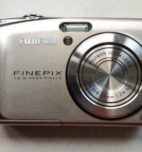 Компактный фотоапарат Fudjifilm fineoix 12 mp.