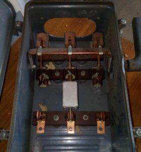 Силовой ящик (рубильник)