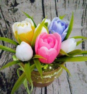 Мыльный букет из тюльпанов и подснежников