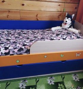 Продам двухъярусную кровать.