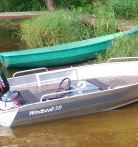 Моторная лодка Windboat-38М с мотором Suzuki
